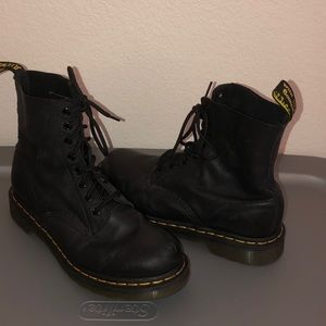 Dr. Martens Pascal Boots 9